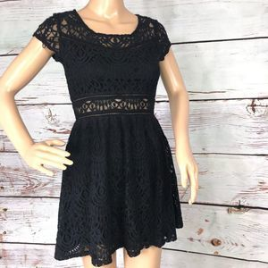 DIVIDED by H&M Black Lace Fluted Dress - 6